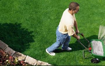 Hnojenie trávnikov